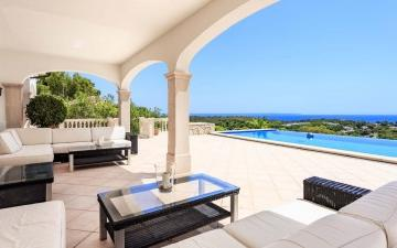 Luxury villa with amazing sea views for sale in Bendinat, Mallorca