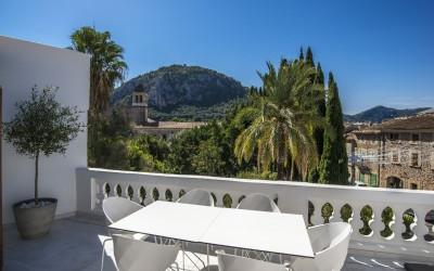 Chic town house for sale in the centre of Pollensa, Mallorca