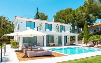 Brand new luxury villa with a high-class equipment for sale in Santa Ponsa, Mallorca