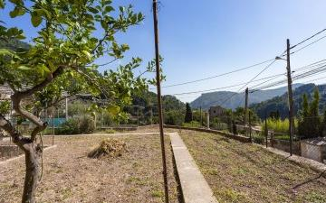 Plot with fantastic mountain views for sale in Valldemossa, Mallorca