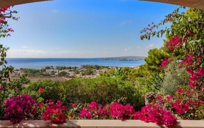 Mediterranean villa with beautiful panoramic sea views for sale in Portals, Mallorca