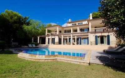 Magnificent sea view villa for sale in Bendinat, Mallorca