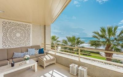 Frontline apartment with incredible views for sale in Palma, Mallorca