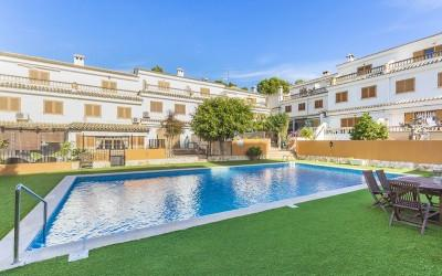 Pretty town house with community pool for sale in Portals Nous, Mallorca