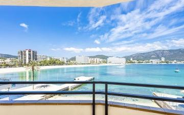 Stunning seafront apartment with spectacular sea views for sale in Palmanova, Mallorca