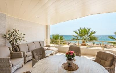 Southwest facing frontline apartment for sale in Portixol, Mallorca