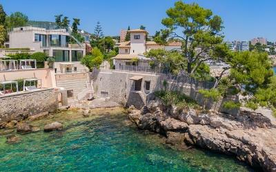 Deluxe seafront villa with stunning views for sale in Cas Català