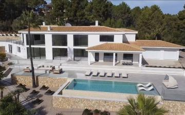 Extraordinary country home with sea views for sale in Esporles, Mallorca