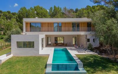 Chic designer villa for sale in Son Vida, Mallorca