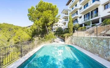 Luxury apartment with spacious terrace for sale in Cas Catalá, Mallorca