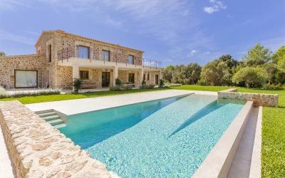 Country property for sale in peaceful surroundings near Pollensa, Mallorca