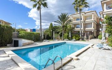 Apartment with terrace and community pool for sale in Portals Nous, Mallorca
