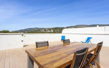 Luxurious penthouse with private roof terrace for sale in Old Bendinat