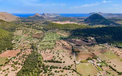 9.5 hectare plot of land with existing finca for sale in Pollensa, Mallorca