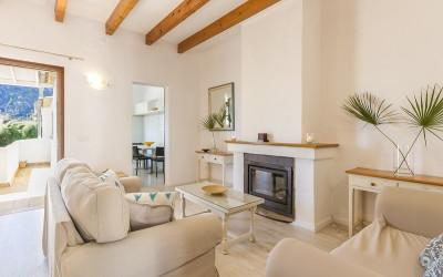 Charming duplex apartment for rent near the main square in Pollensa, Mallorca