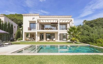 Immaculate villa for sale, close to Pollensa in the north of Mallorca