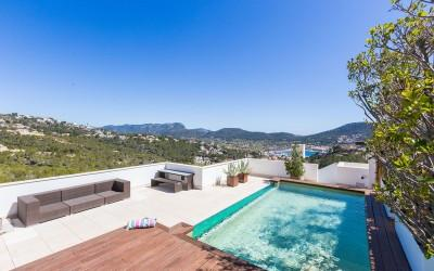 Luxury penthouse with private pool in Puerto Andratx, Mallorca
