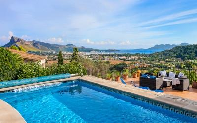 Wonderful property for sale with views of Pollensa Bay, Mallorca