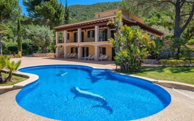 Luxury villa with guest house for sale in Puerto Andratx, Mallorca