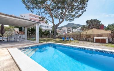 Ground floor apartment close to the beach for sale in Cala San Vicente, Mallorca