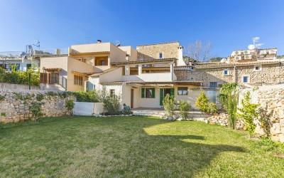 Beautifully renovated village house for sale in Caimari, Mallorca