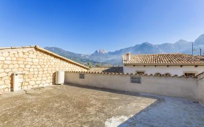 Town house or commercial property for sale in Sóller, Mallorca
