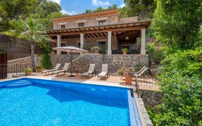 Incredible sea view villa with spa for sale in Cala Deia, Mallorca