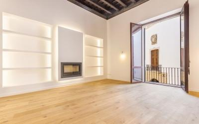 Triplex apartment for sale in a historic palace in Palma, Mallorca
