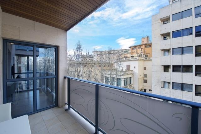 Apartamento moderno a la venta con terraza mallorca - Cocinas baratas mallorca ...