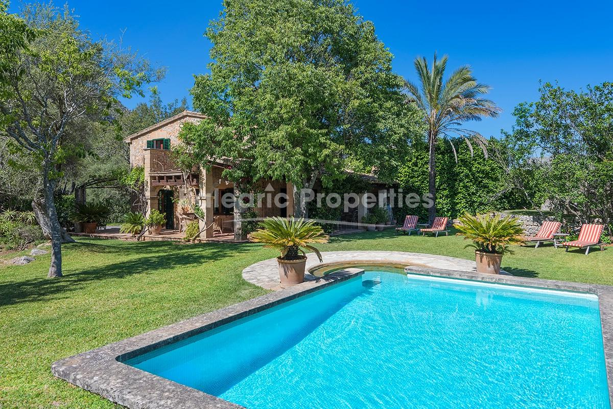 Rustic finca with charming interior for sale near Pollensa, Mallorca