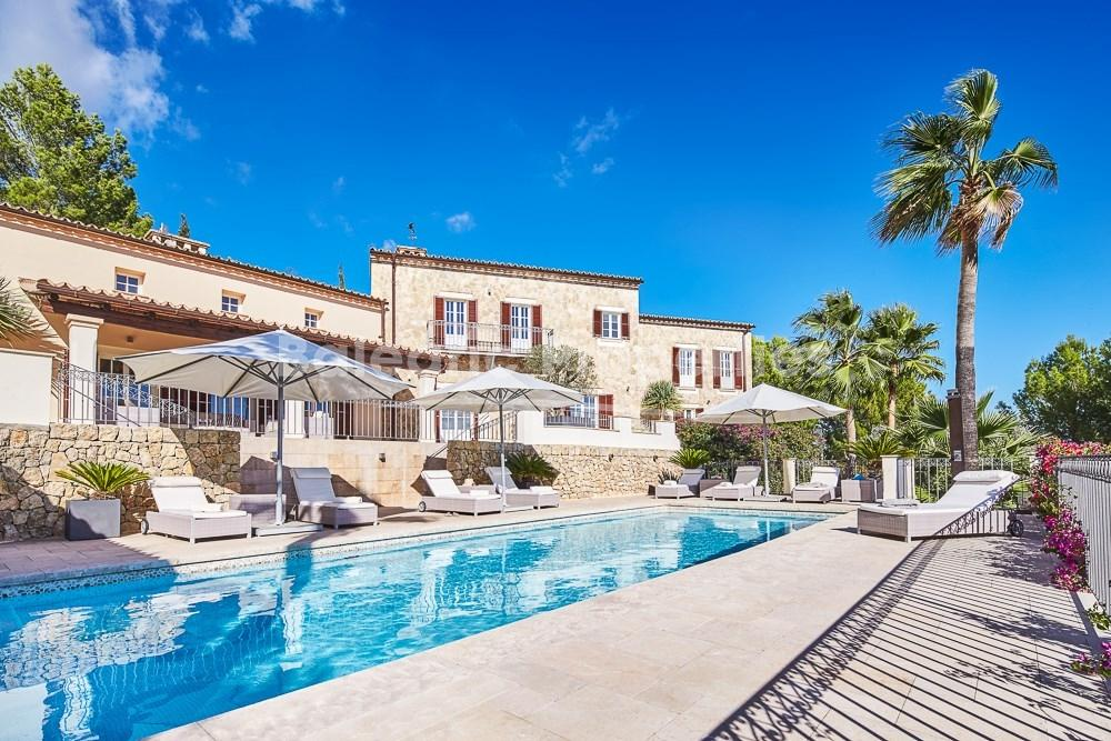 Country estate with guest house for sale near Alarò and Santa Maria, Mallorca