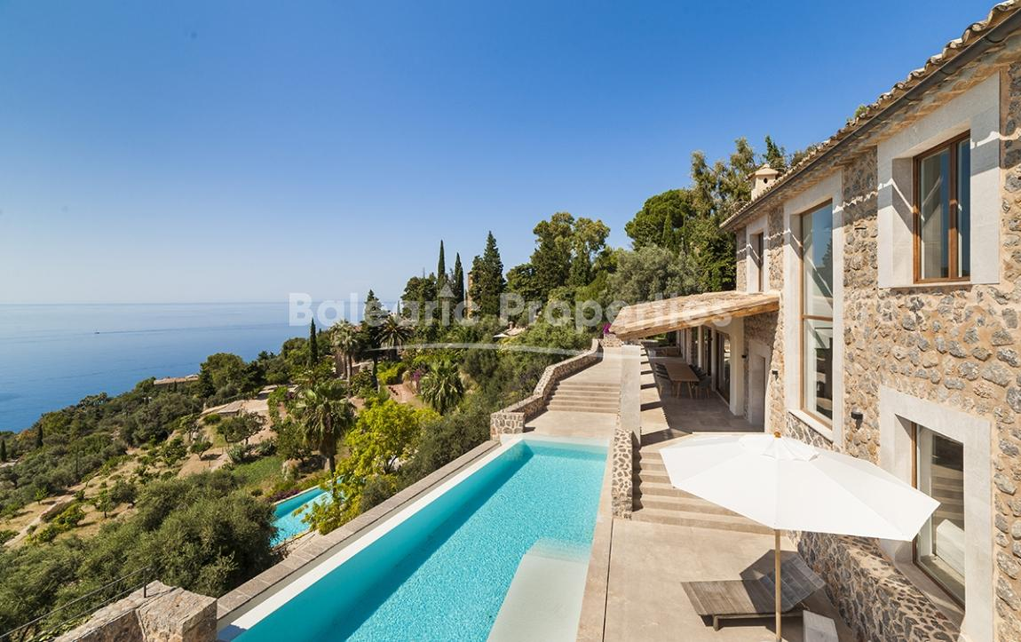 Modern villa with pool and spectacular views of the sea in Deia