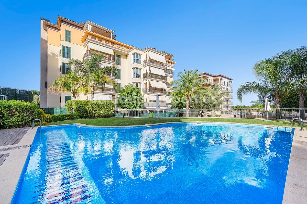 Apartment for sale in a residential complex with garden and pool in Palma, Mallorca